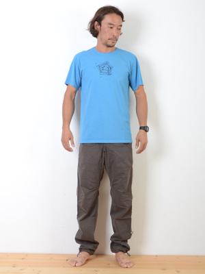 身長178cm/67kg/S着用(日本のM)