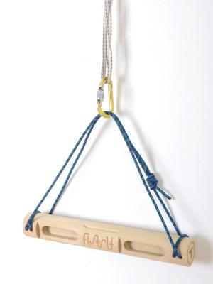 スリングとカラビナがあれば木などにも設置可能