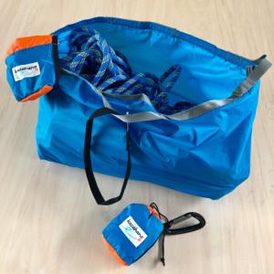 ハンギングビレイなどでコンパクトなロープ扱いが行えるポータブルロープバッグ。